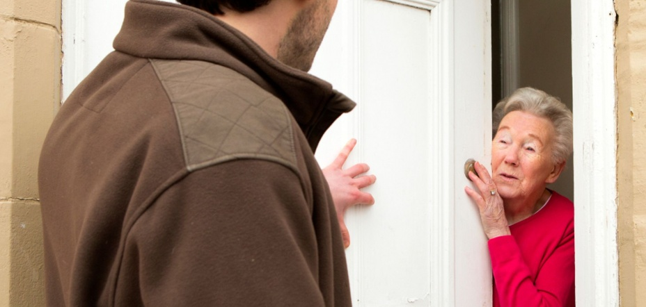Coronavirus: London police warn over scammers posing as door-to-door COVID-19 testers