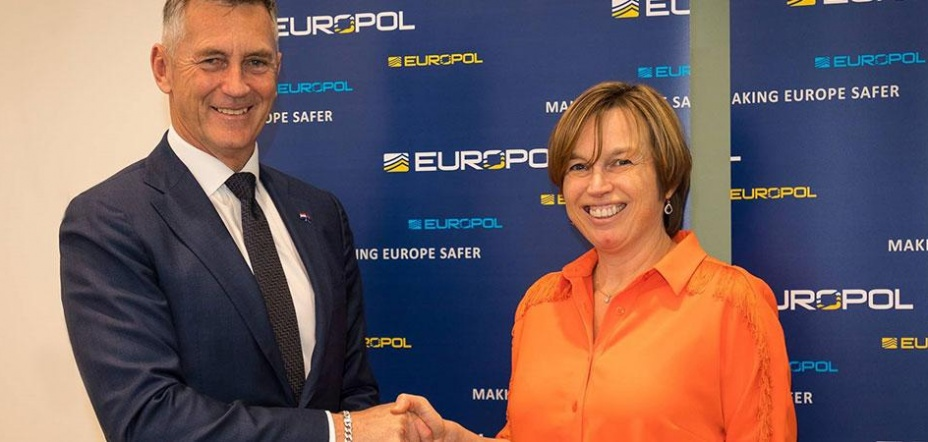 Europol signs working arrangement and memorandum of understanding with New Zealand