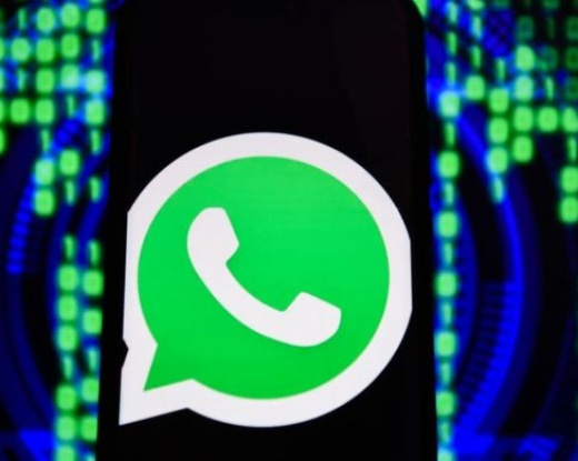 WhatsApp: How to stay safe on social media