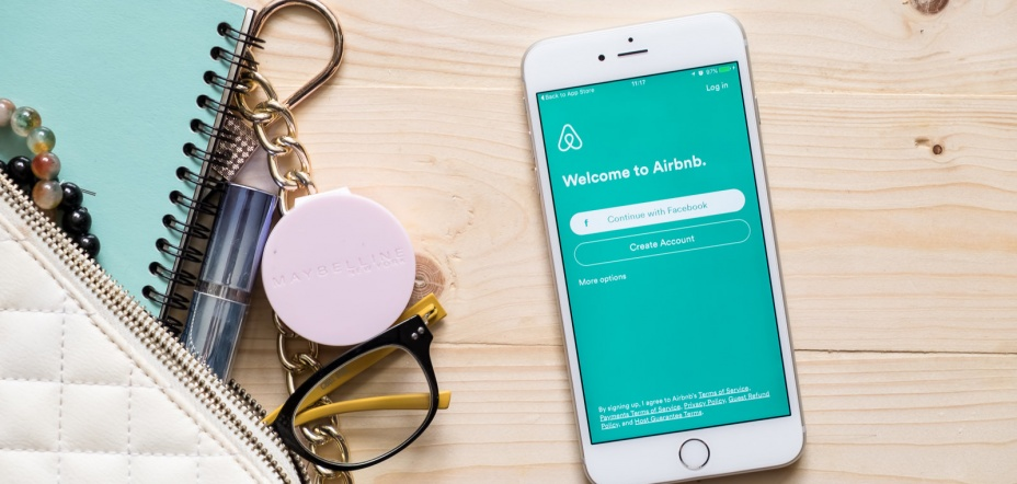 Airbnb is buying a scam-fighting background check technology